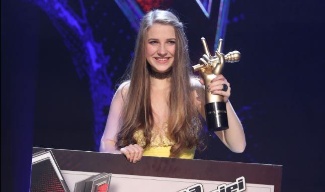 Ana Munteanu este castigatoarea sezonului sapte Vocea Romaniei!