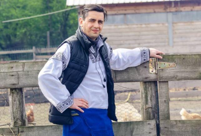 Cosmin Natanticu, din lumina reflectoarelor, la viata la tara. Ce asteptari are de la Ferma Vedetelor