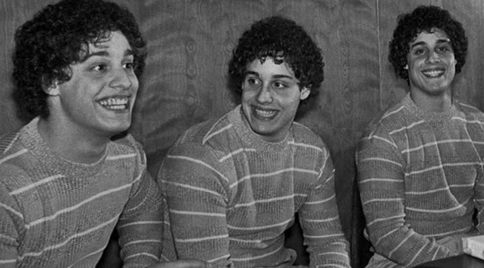 Doctorii au separat tripletii la nastere pentru un experiment social sinistru