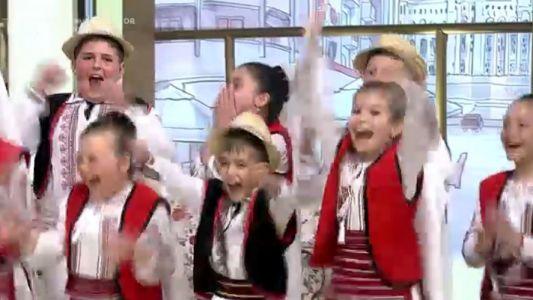 "Ansamblul ""Plaiuri Dobrogene"" merge in Semifinala"