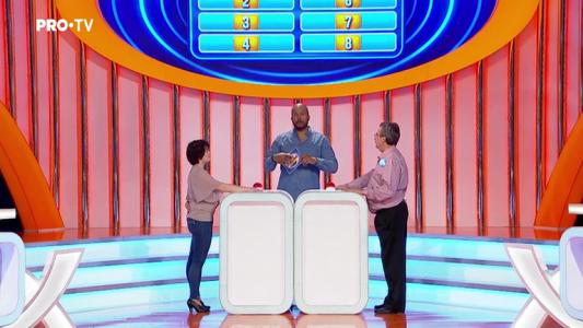 """Am rugat 100 de romani sa completeze fraza: """"As bea un sirop de..."""". Care a fost raspunsul favorit?"""
