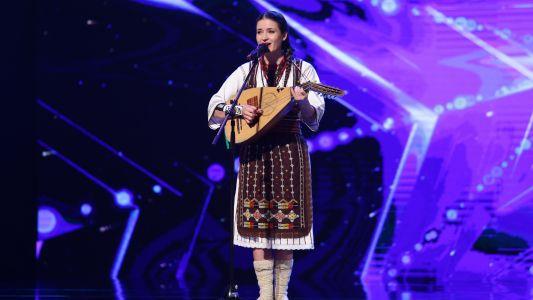 Romanii au talent 2018: Stela Botez - canta la cobza