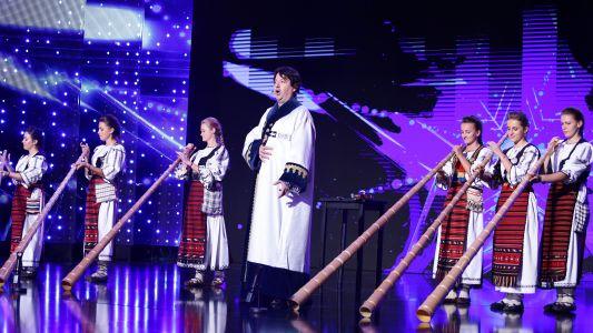 Romanii au talent 2018: Liviu Burz si Tulnicaresele din Campeni - Moment artistic