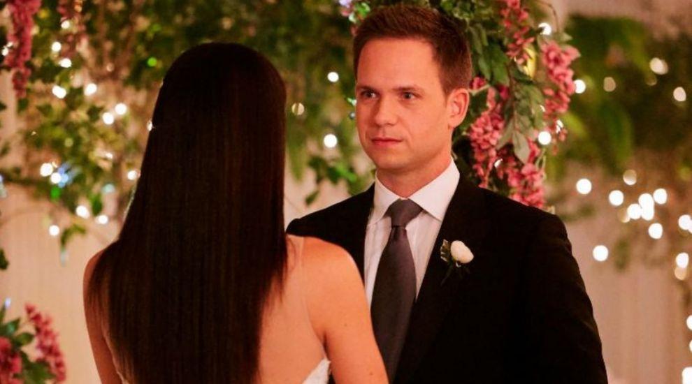"Meghan Markle a parasit serialul ""Suits"" cu o nunta! Cum arata in rochie de mireasa"