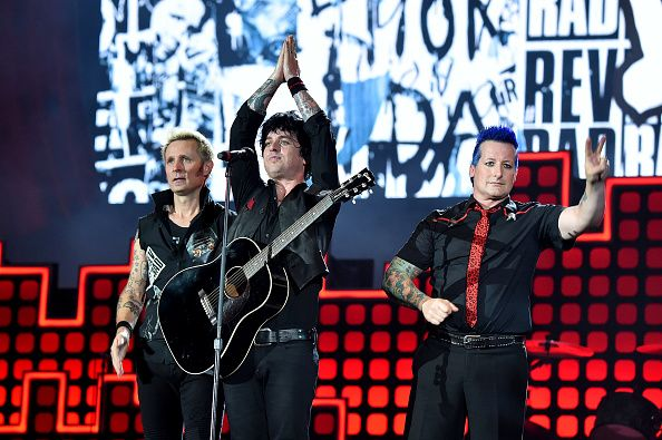 "Fanii Green Day din Marea Britanie vor ca melodia ""American Idiot"" sa ajunga locul 1 in topuri pana la vizita lui Trump"