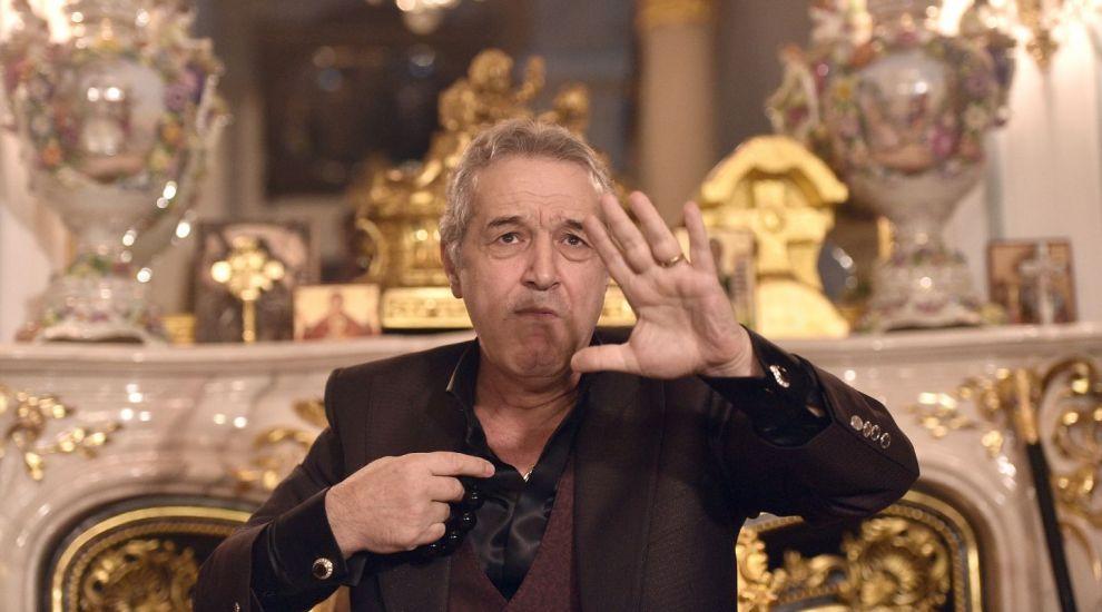 Cine va fi vecin cu Becali? Vila din spatele palatului latifundiarului se vinde cu 5,2 milioane de euro