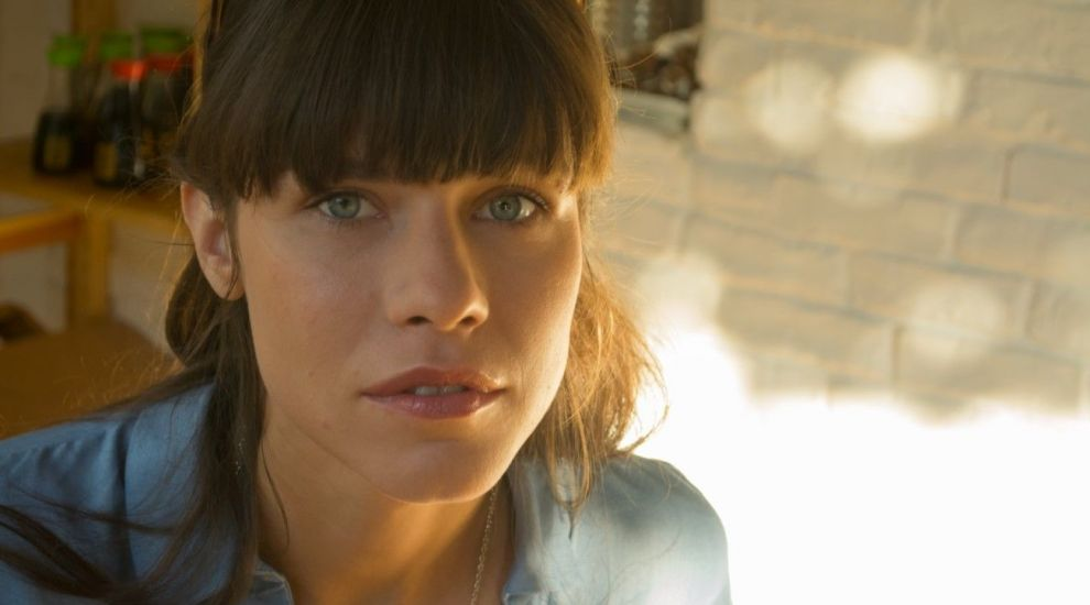 Ana Ularu, actrita care a jucat cu Keanu Reeves, ne spune de ce nu trebuie sa ratam cel mai nou film romanesc