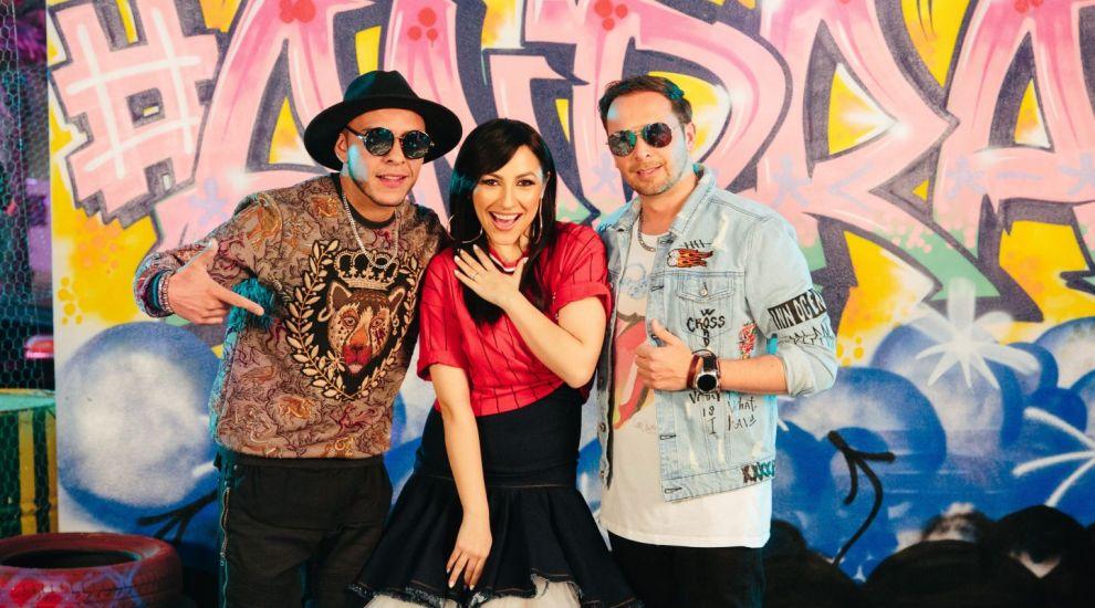 """Andra lanseaza """"Sudamericana"""", cea mai hot piesa latino a verii, in colaborare cu trupa Pachanga"""