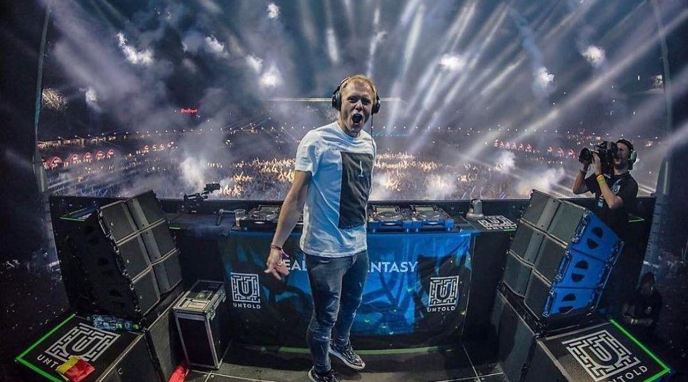 UNTOLD 2018. Cel mai tare DJ al lumii te învață să mixezi muzică din fotoliul tău de acasă