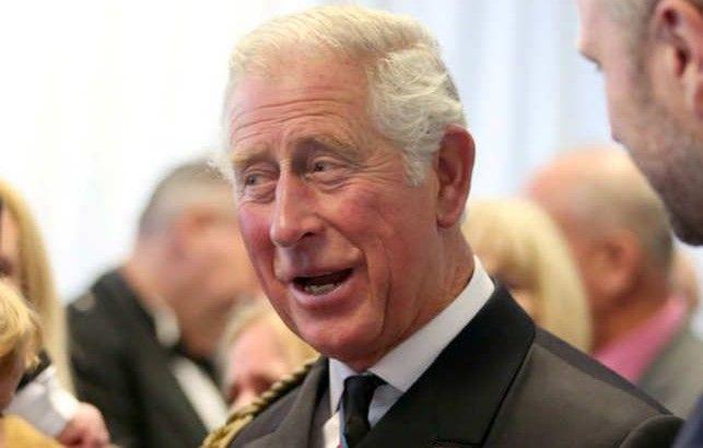 Prințul Charles își mută lucrurile la mama. Moștenitorul tronului a ocupat deja o încăpere de la Buckingham