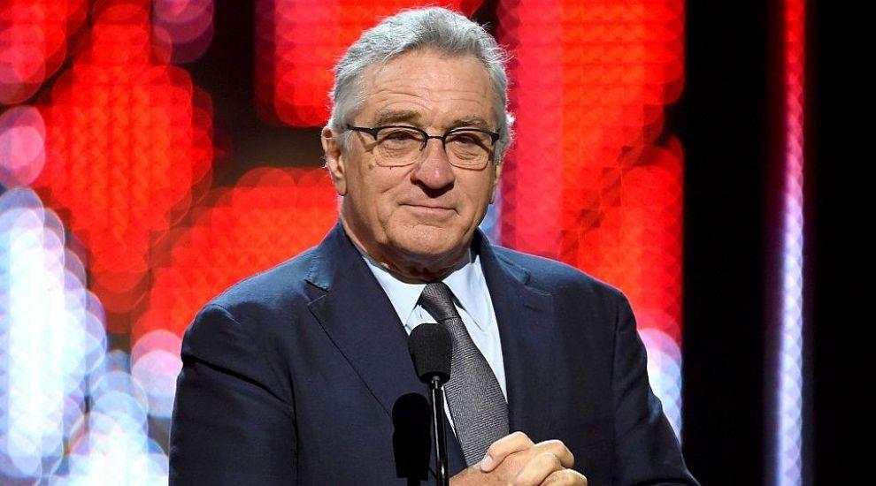 """Robert De Niro este favorit să apară în noul film<span style=""""font-family: Verdana, Geneva, Arial, Helvetica, sans-serif;"""">""""</span>The Joker"""". Ce rol poate primi actorul în vârstă de 74 de ani"""