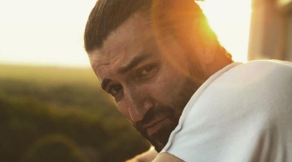 Smiley vorbește pentru prima dată despre noua lui piesă, în care sute de mii de români s-au regăsit deja
