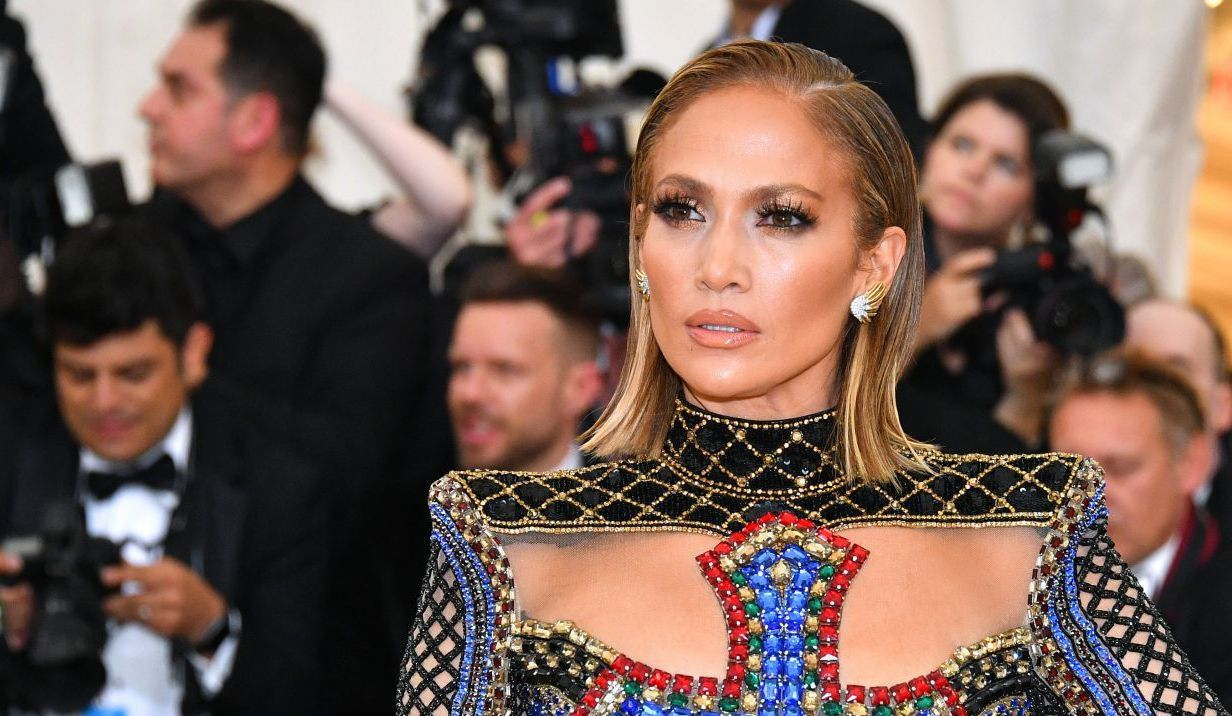 Cum arăta Jennifer Lopez la debut, când era figurantă