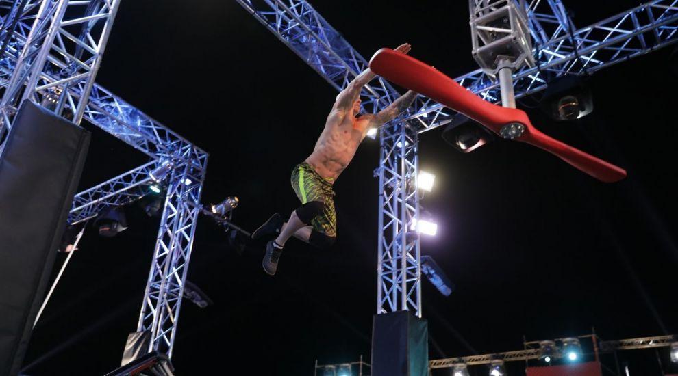 A dormit pe străzi, sub cerul liber, iar acum încearcă să sfideze limitele la Ninja Warrior România