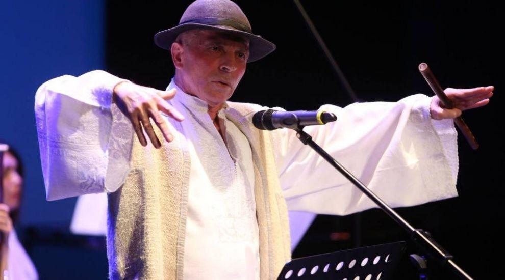 VIDEO Grigore Leșe a plecat de pe scenă în timpul unui concert susținut la Târgu Lăpuș: Poa' să vină și Cristos