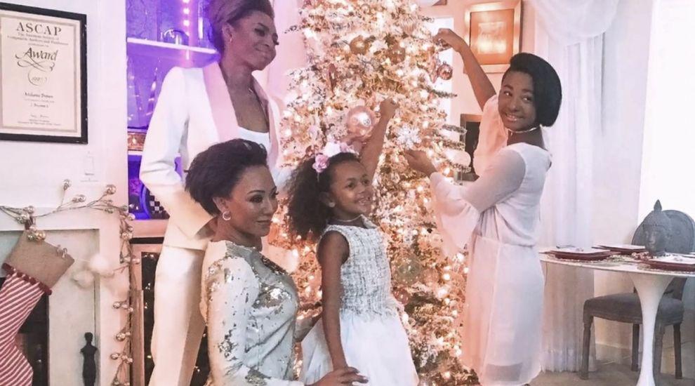 O cântăreață celebră mărturisește că anul trecut nu a avut bani pentru cadourile de Crăciun ale copiilor ei
