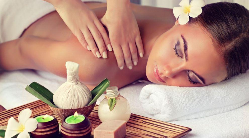 VIDEO Care sunt beneficiile masajului cu ventuze
