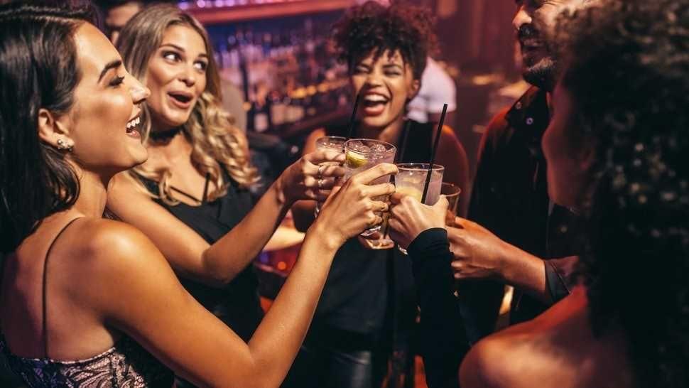 (P) Studiile au demonstrat: nu contează ordinea în care consumi băuturile alcoolice!