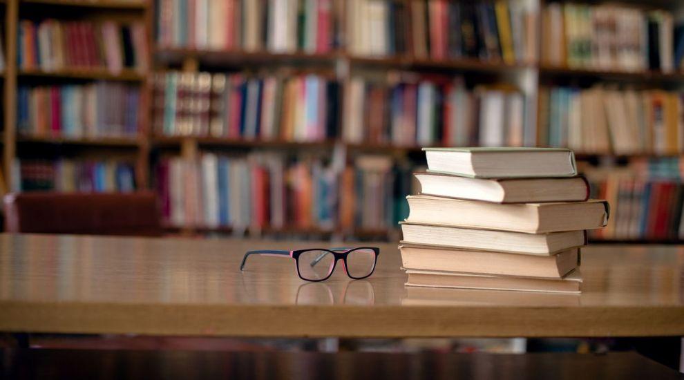 VIDEO Ce cărți citim vara aceasta