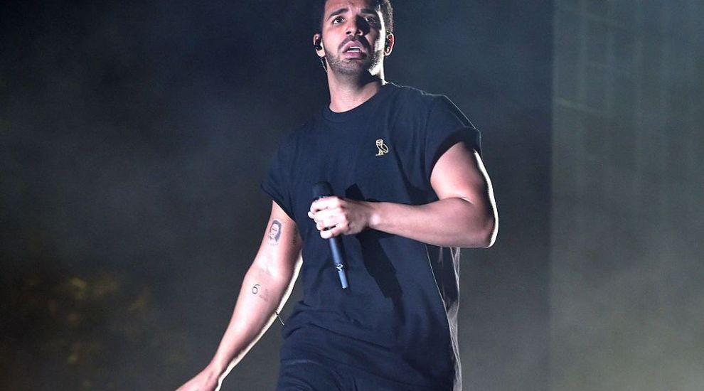 Drake a plătit 350.000 de dolari unei striperițe ca să-și retragă plângerea penală
