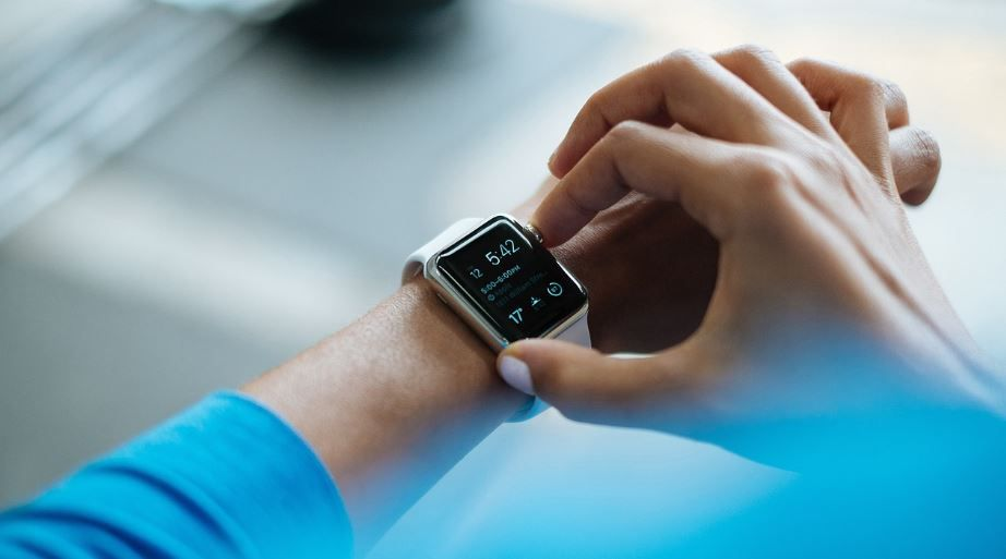 (P) 5 gadget-uri perfecte pentru un super-cadou