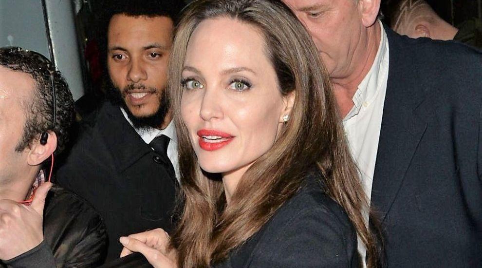 """Angelina Jolie, în pericol să rămână singură. """"Nu poate face nimic în privința asta"""""""