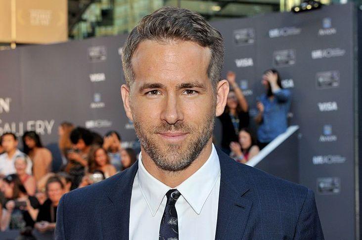 Ryan Reynolds, cu pătrățelele la vedere. Care este secretul unui corp de supererou