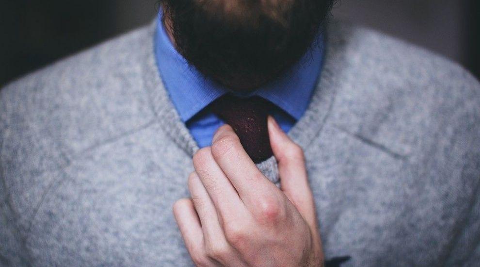 (P) 5 piese vestimentare pe care le poti purta in orice anotimp