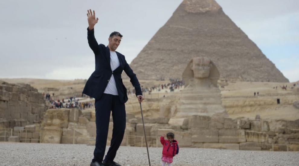 Are peste 2,5 m, cântărește 137 kg și este cel mai înalt om de pe Terra. Cine este Sultan Kosen