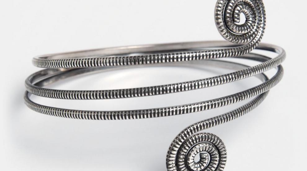 (P) Cum cureti bijuteriile din argint?