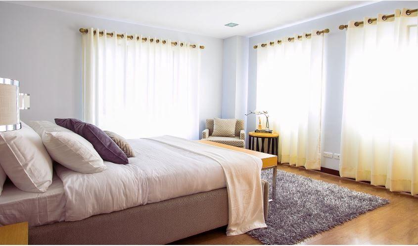 (P) Cauți un pat modern pentru dormitorul tău? Iată câteva sugestii