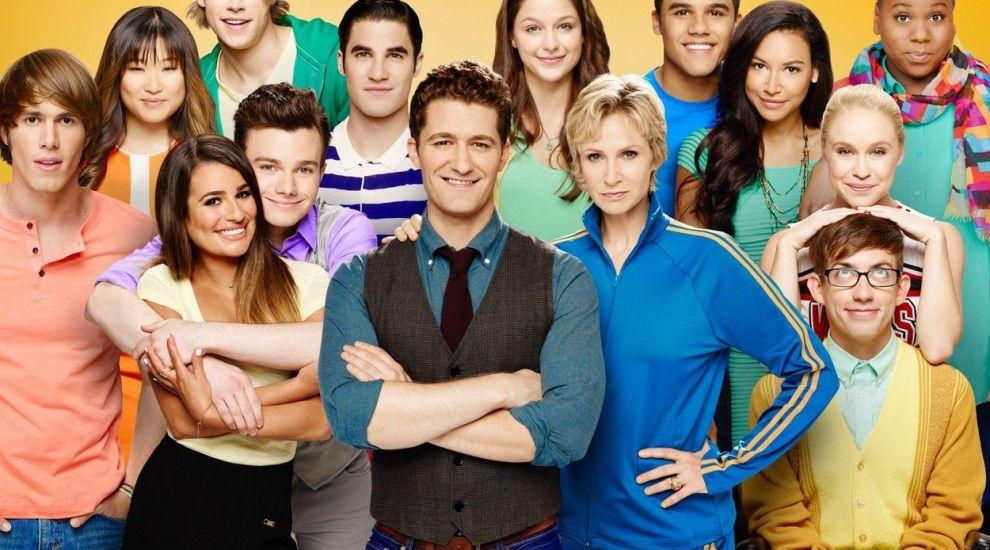 """5 secrete întunecate din culisele serialului """"Glee"""". Doi dintre protagoniști au murit la 30 de ani"""
