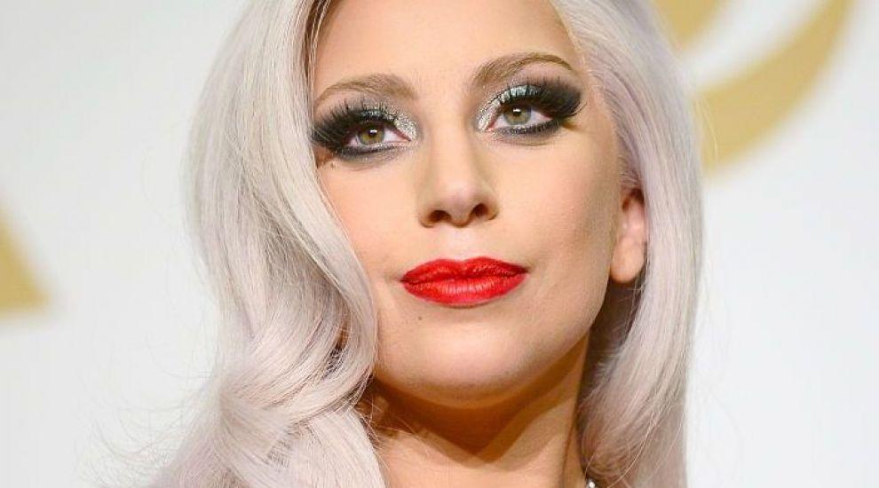 Lady Gaga, dezinhibată pe scenă, în ciuda kilogramelor în plus. Cum a apărut în fața fanilor