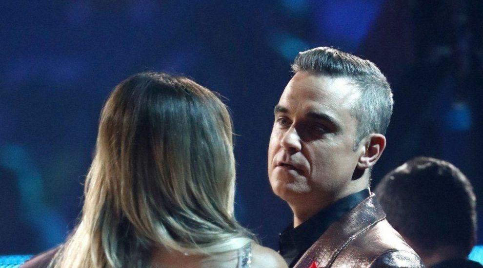 Robbie Williams e de 4 ori tătic. O mamă-surogat i-a adus pe lume un băiețel