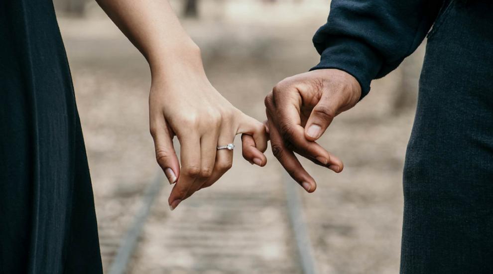 (P) 5 lucruri de care să ții cont când îi dăruiești un inel partenerei tale