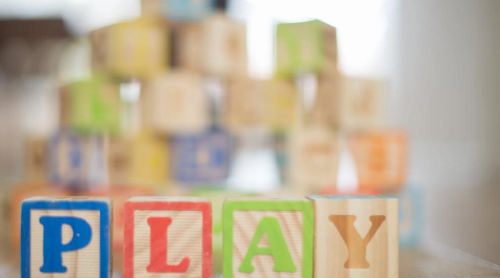 (P) Cum alegi jucariile potrivite pentru copiii mici, in functie de varsta