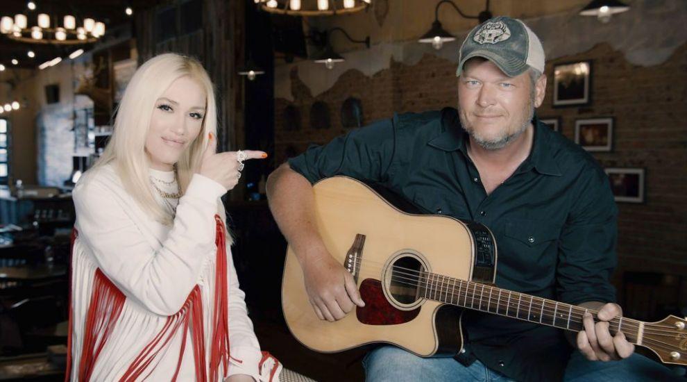 Gwen Stefani şi Blake Shelton s-au logodit. Cum arată inelul primit de artistă