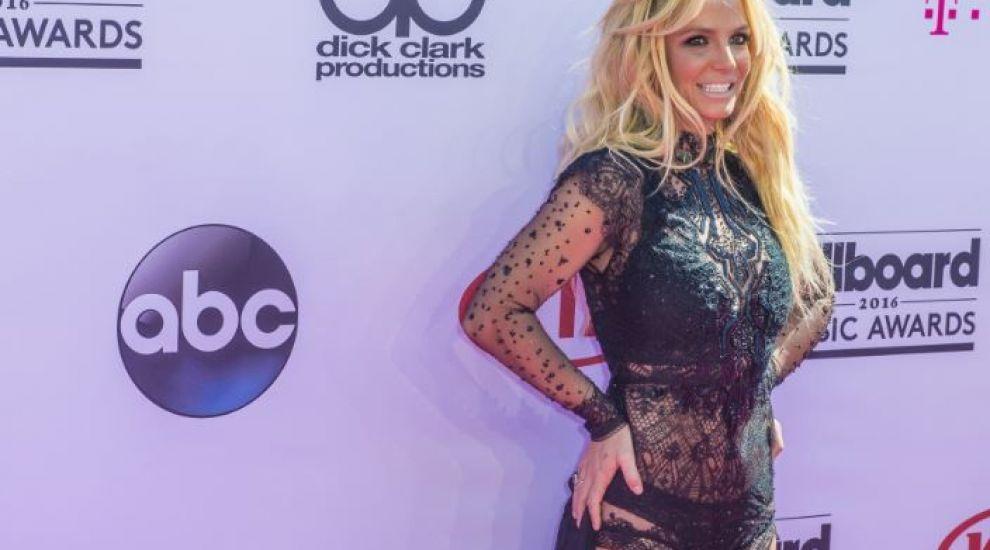 """Britney Spears cere stoparea tutelei tatălui ei: """"E abuzivă. Sunt traumatizată. Îmi vreau viaţa înapoi"""""""