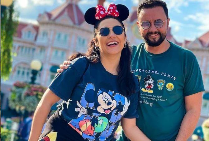 Familia Măruță, în vacanță la Disneyland. Cătălin și Andra au plecat la Paris cu Eva și David