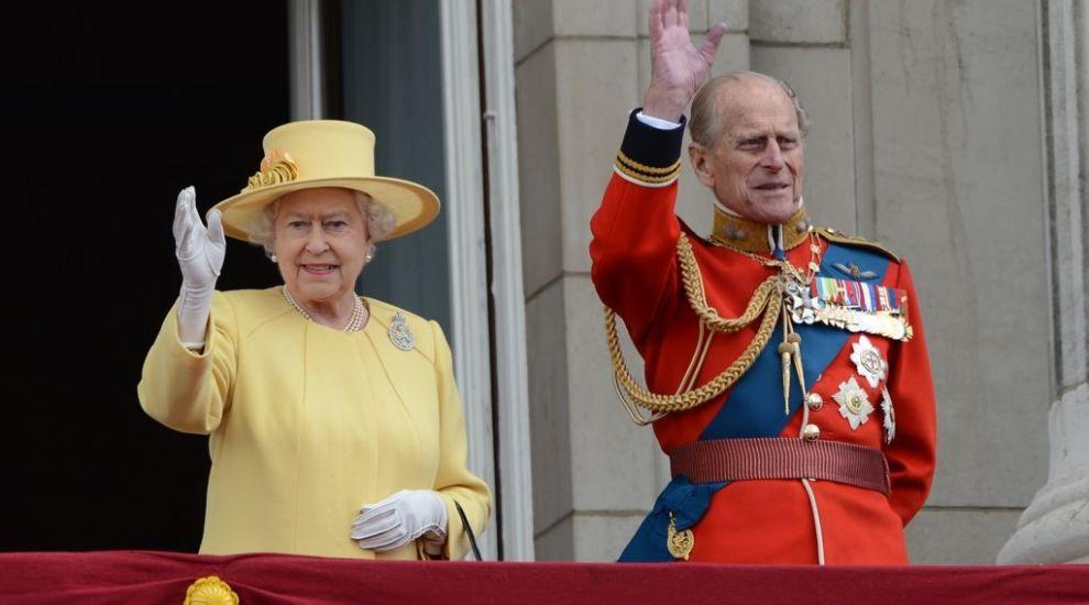 Prințul Philip obișnuia des să o enerveze pe Regină cu o farsă! Ce anume făcea?