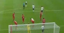 VIDEO / Gerrard i-a furat lui Crouch dansul robotului! :)