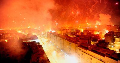 VIDEO Asa ceva n-ai mai vazut NICIODATA! Vezi cum au sarbatorit fanii lui Hajduk 100 de ani de la infiintarea clubului!