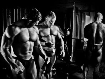 FOTO: Cei mai puternici CULTURISTI din lume! Imagini impresionante de la un concurs in Novosibirsk!