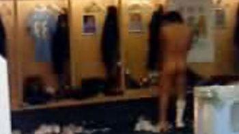 INCREDIBIL! Un pervers care lucreaza la Chelsea a postat pe Twitter poze cu staruri din Premier League goi la dusuri! FOTO