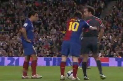 "FABULOS! Messi a imbrancit arbitrul si in 2008: ""Pleaca de aici, sa-i prind p-astia ametiti!"" Si i-a prins! SUPERVIDEO cu smecheria lui Messi"