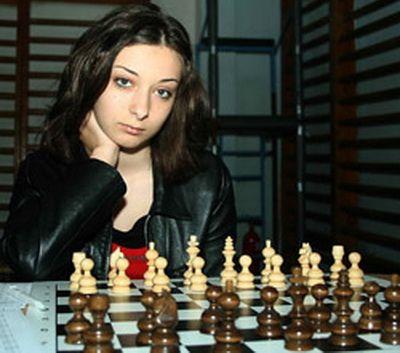 Daria Ioana Visanescu, vicecampioana europeana la sah! Trimite-i un mesaj: