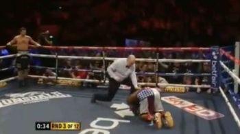 INCREDIBIL! Froch si-a demolat adversarul in runda 3! L-a pus la podea, in genunchi in fata lui! Faza dupa care Bute NU mai doarme linistit VIDEO: