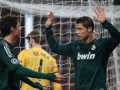 VIDEO: Real merge in sferturi dupa o decizie controversata de arbitraj: Manchester United 1-2 Real Madrid! Giggs a jucat meciul 1000, Ronaldo a refuzat sa-si celebreze golul!
