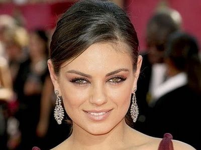 FOTO Secretul NEBANUIT al celei mai frumoase femei din lume! Uita-te atent la ea! Observi ceva in neregula?