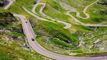 """Cel mai TARE drum pentru motociclisti se afla in Romania: """"E ametitor, legendar!"""" Peisajul INCREDIBIL la care se inchina toti soferii:"""